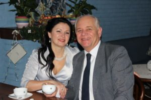 Larisa marries Bill Green